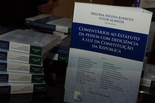 Lançamento de livro fotoLuizJesus AMPERJ DSC 0013